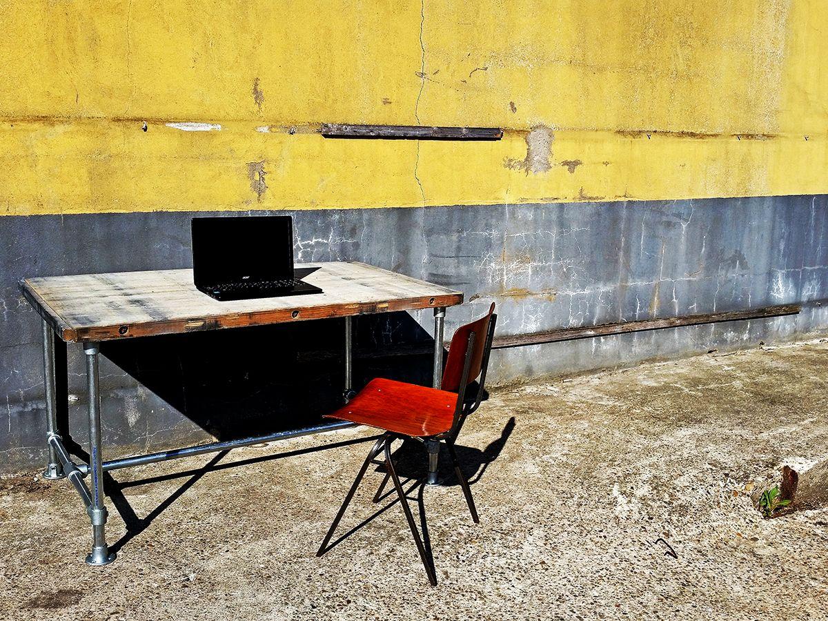 Deze stijlvolle tafel is door het minimalistische design geschikt