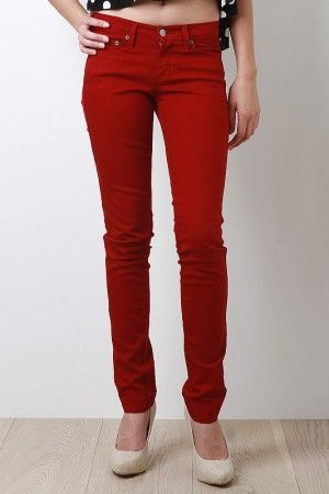 It's official. I'm in love with skinny jeans/pants. They are just lovely!