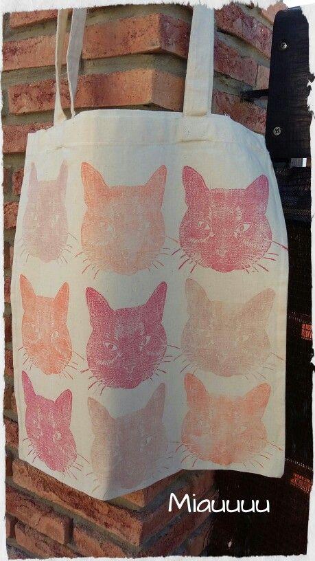 Preparando nuevos modelos de tope bags!! Esta va de gatitos! !