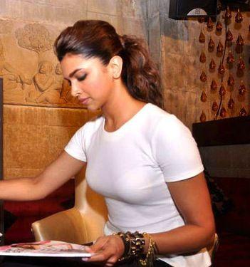Deepika Padukone Wikipedia The Free Encyclopedia Beauty Hacks Beauty Tutorials Beauty Treatments