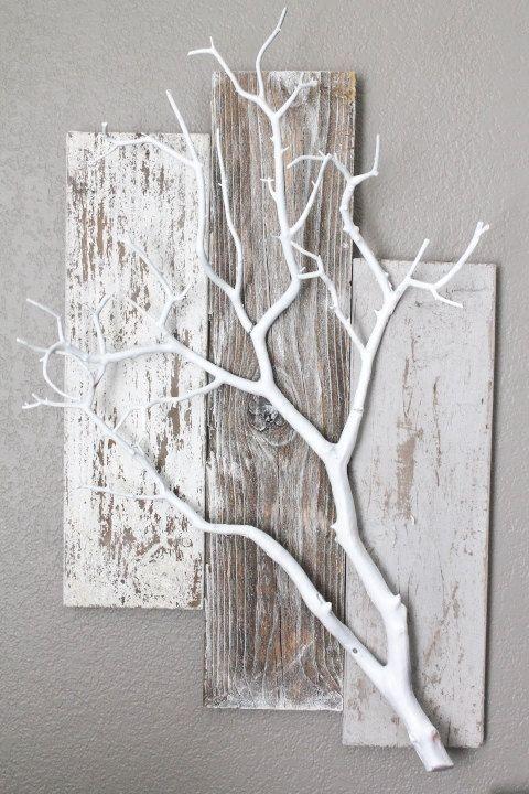 groß Paletten und weißer Zweig. Sehr niedliche Idee, damit