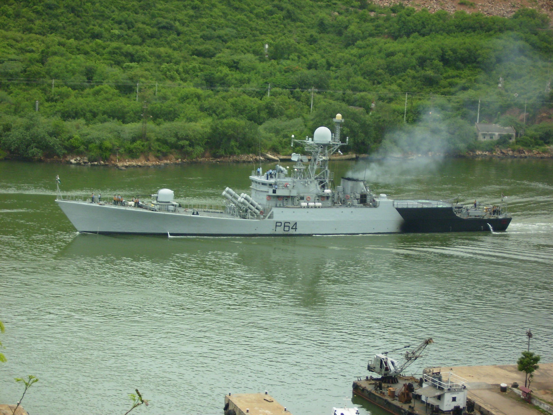 Ins Karmuk P64 At Visakhapatnam Ins Karmuk P64 Wikipedia In 2020 Warship Indian Navy Ships Navy Ships