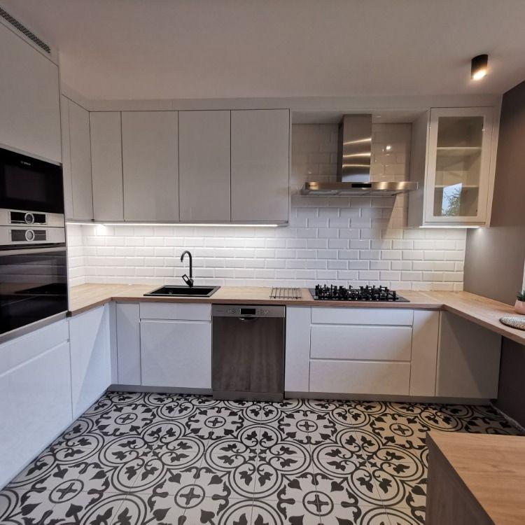 Biala Kuchnia Zawsze Modna Kitchen Kitchen Cabinets Decor