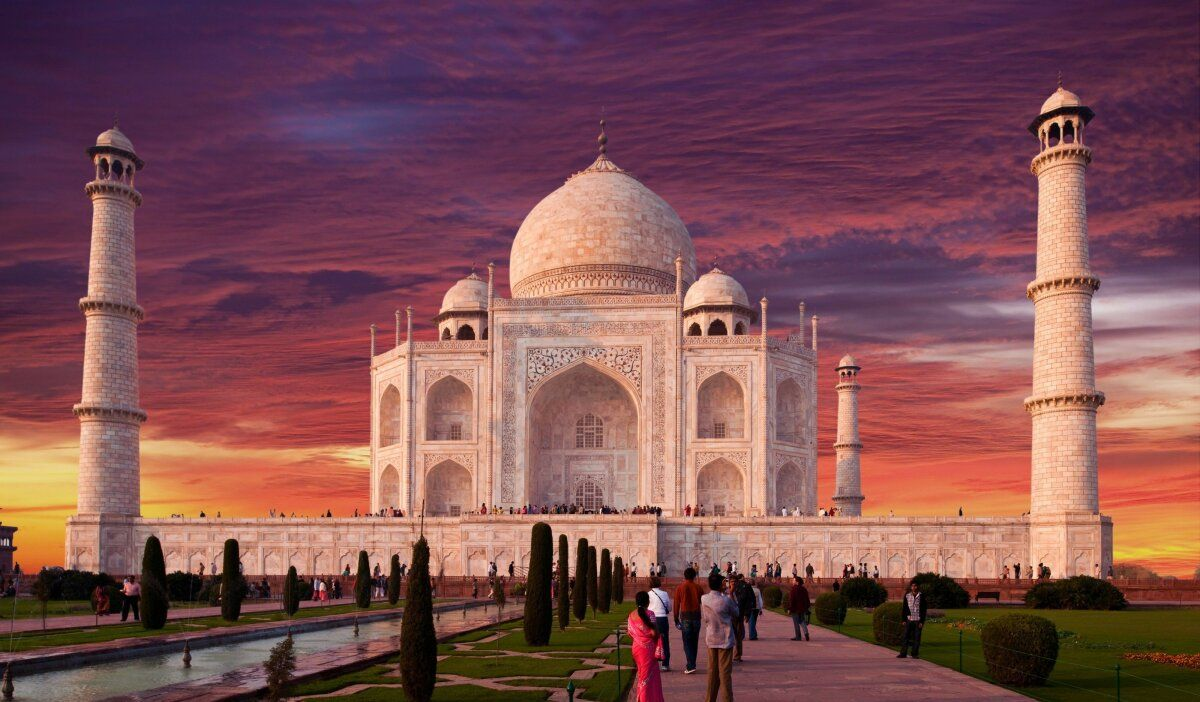 Pin By Ceyda On Adventure In 2020 Tourist Places Taj Mahal Places To Visit