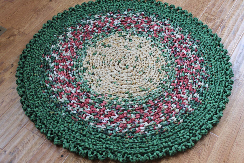 Christmas Tree Skirt Christmas Rug 41 Crocheted Round Etsy Christmas Rugs Green Rag Rug Crochet Rag Rug