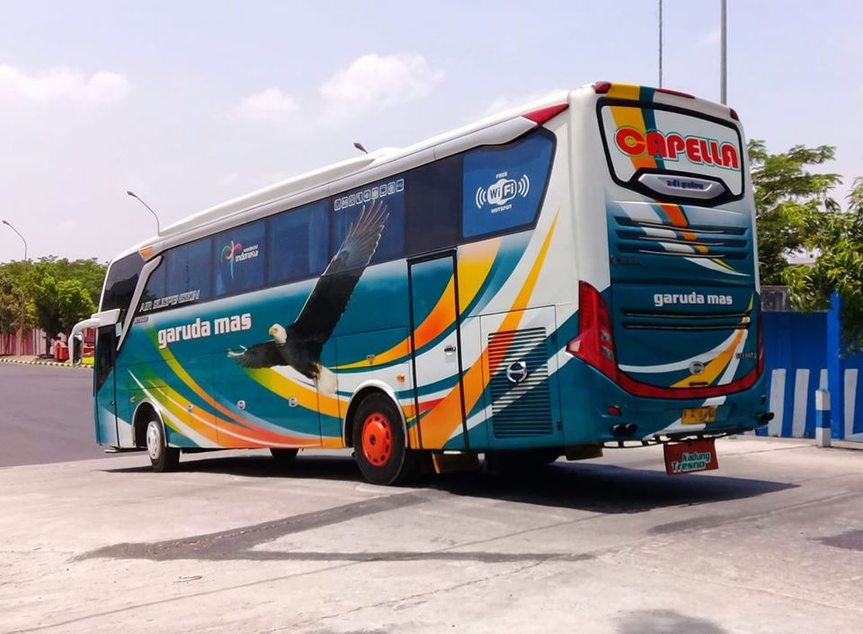Foto Bus Garuda Mas Capella Konsep Mobil Transportasi Darat Gambar