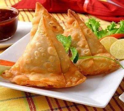 Indian food samosa cooking pinterest foods snacks and recipes samosa it is a fast food type and very popular in uzbekistan pakistan and india it is eaten with ketchup or some regional sauc forumfinder Gallery