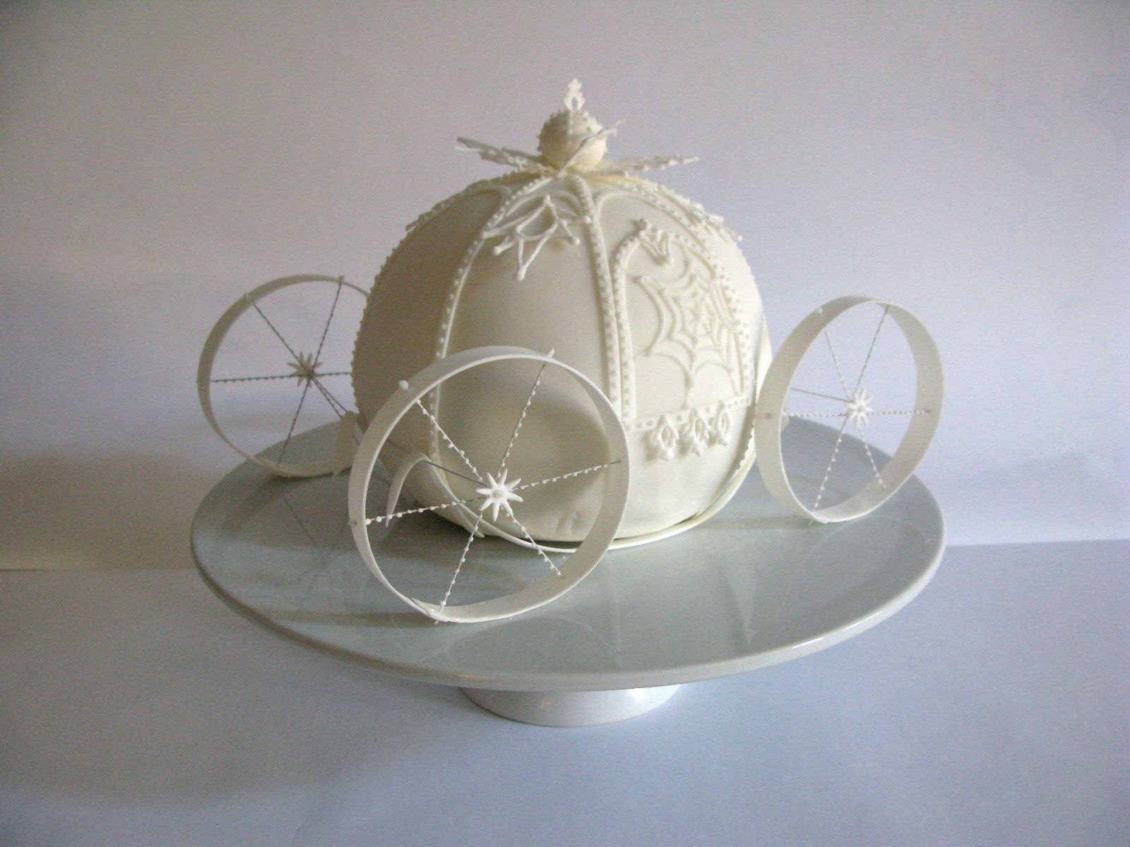 Cinderella Pumpkin Carriage Cake. | Princess Theme Cake ...