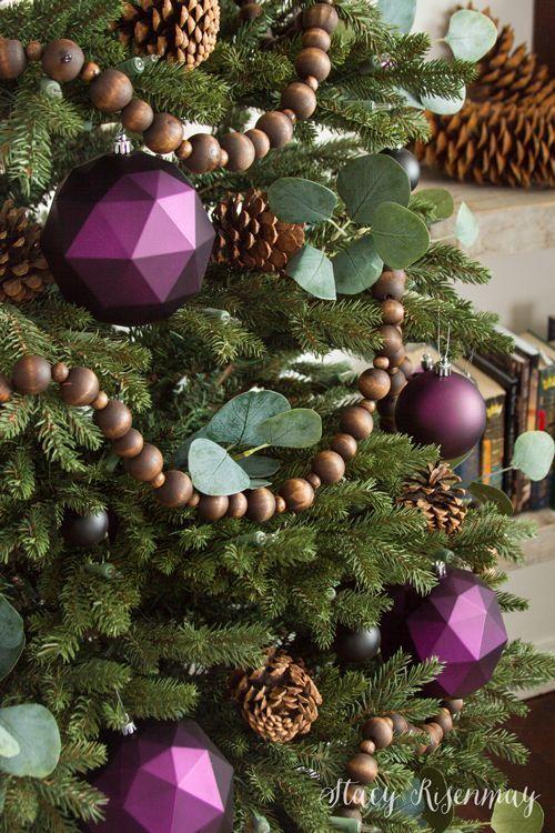 Christmas Tree With Plum Ornaments   Christmas tree themes ...