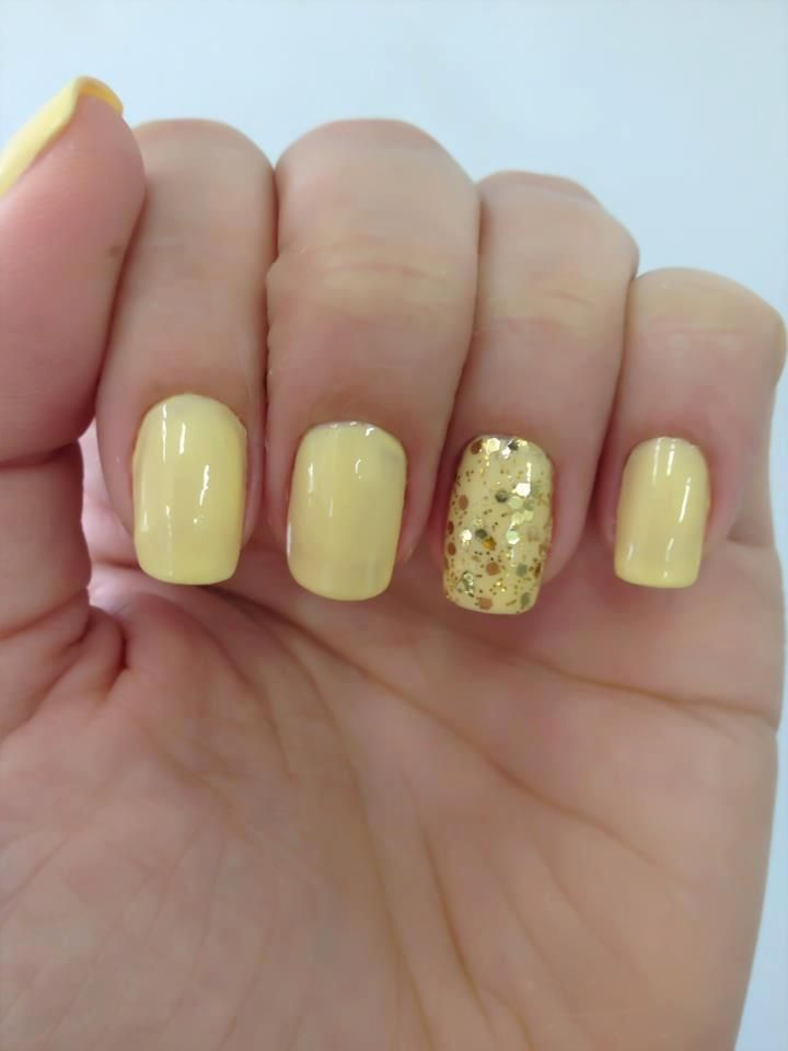 Yellow Sparkle nails