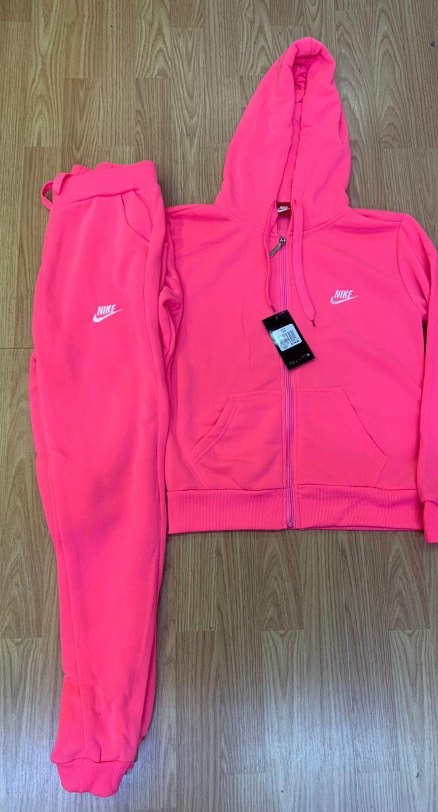 Sweatsuit, Nike sweat suits, Nike outfits