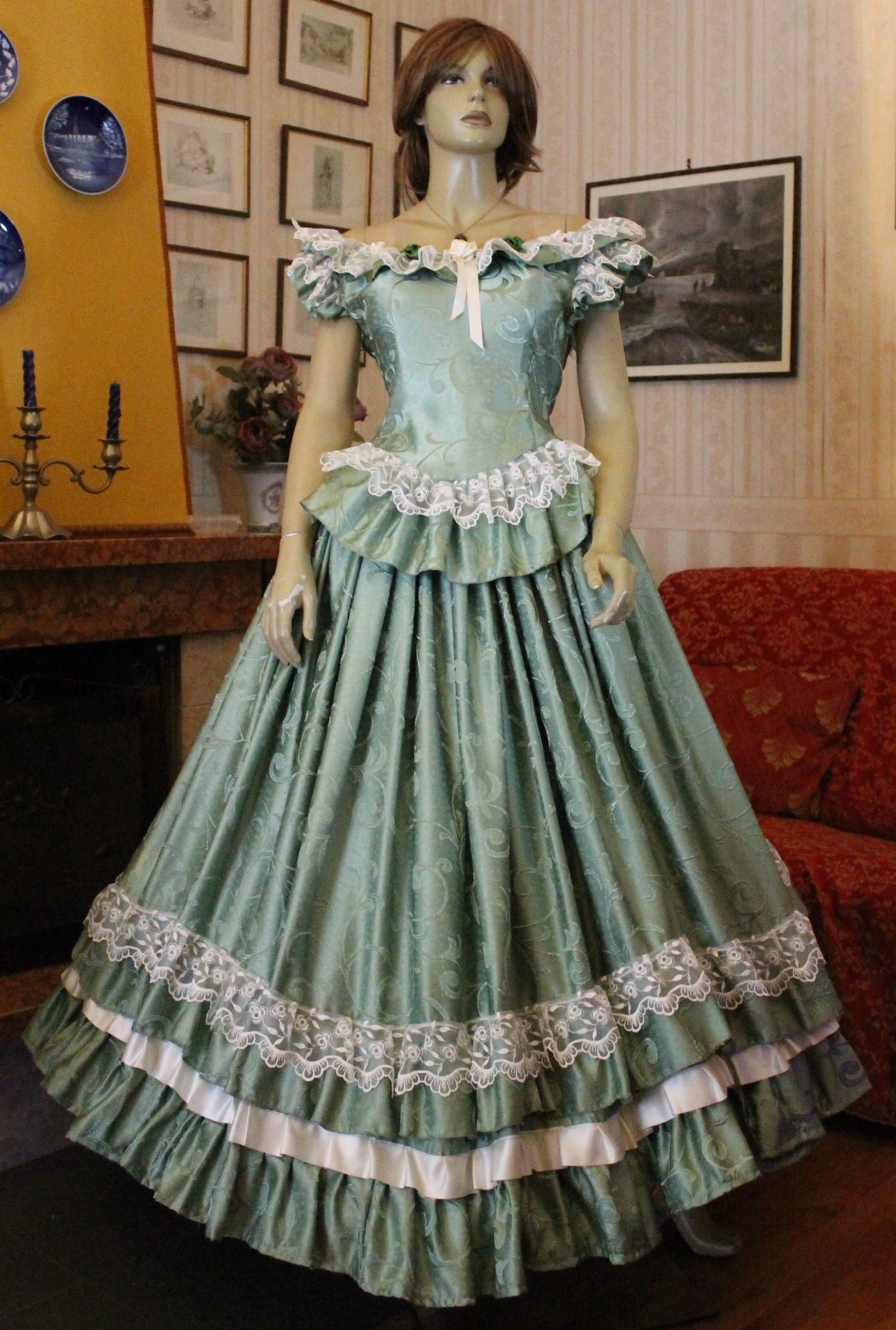 Photo of FEMALE HISTORICAL COSTUMES SUITS 1800 Historical evening dress for …