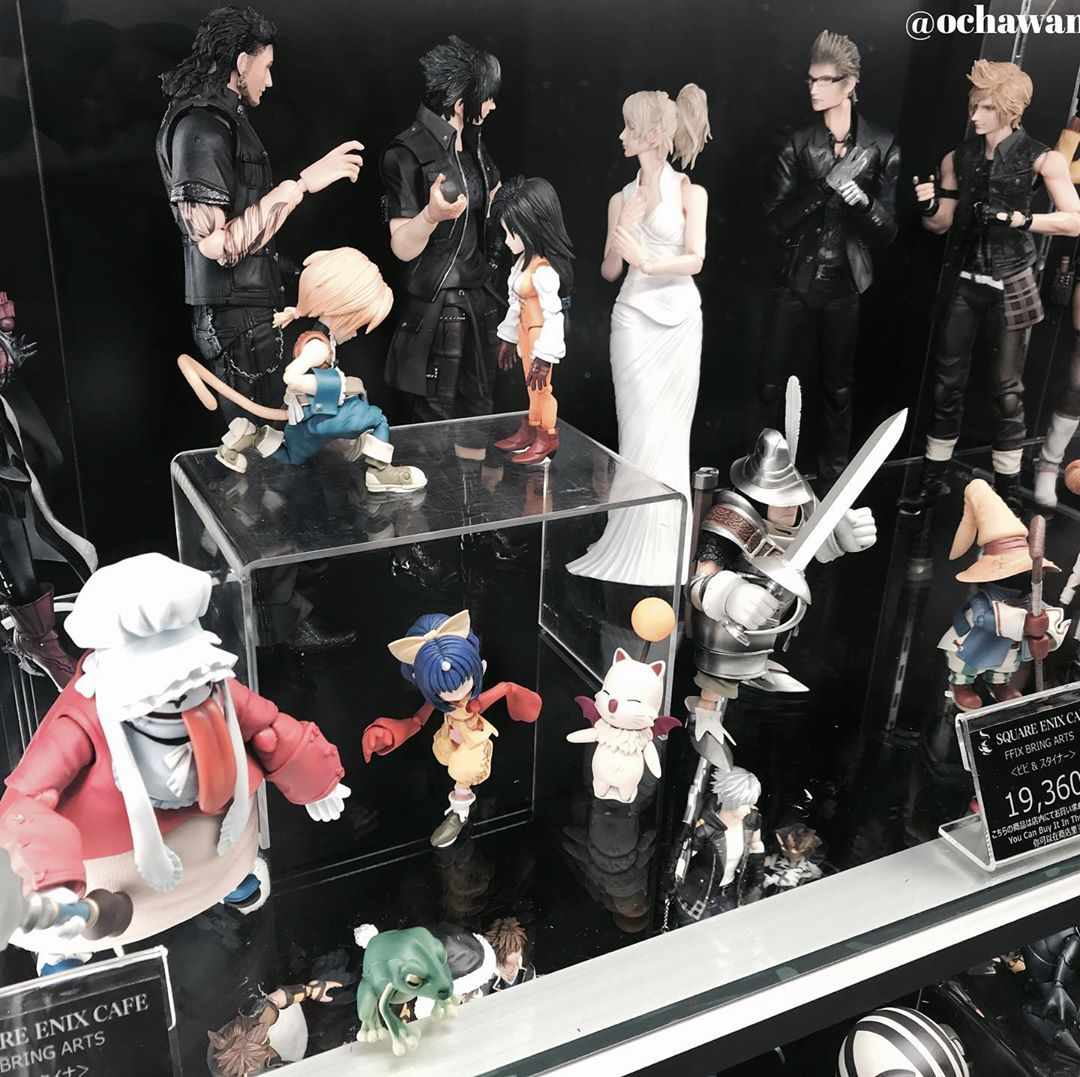 squareenix  cafe  Tokyo display 👑  #playstation #playstation4 #toys#gamecollection #games #nintendo #game #toy #tokyo#finalfantasy #ps4 #nintendoswitch #finalfantasy7 #ff7 #squareenix #ff7ac #ff7remake #finalfantasy7adventchildren #adventchildren #cloudstrife #cloud #onewingedangel #ff #ff7remake #セフィロス #aerith #sephiroth
