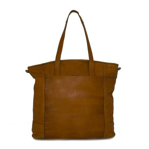 NORDLAND BAG - High quality leather bag with vintage details. Available in different colors. Removeable and adjustable crossover. See more on our webshop!  #REDESIGNEDBYDIXIE #vintage #Vintagelook #leather #leatherbag  #Fashion #Damemode #Danishdesign