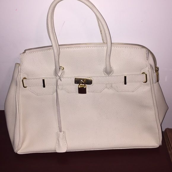 White Gold Genuine Leather Borse In Pelle Purse This Is Great Condition 100 Authentic Bag Was Purchased Venice Italy Has Lock Key