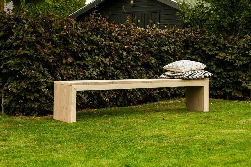 tische bank aus bauholz ein designerst ck von purewooddesign bei dawanda gregors pins. Black Bedroom Furniture Sets. Home Design Ideas