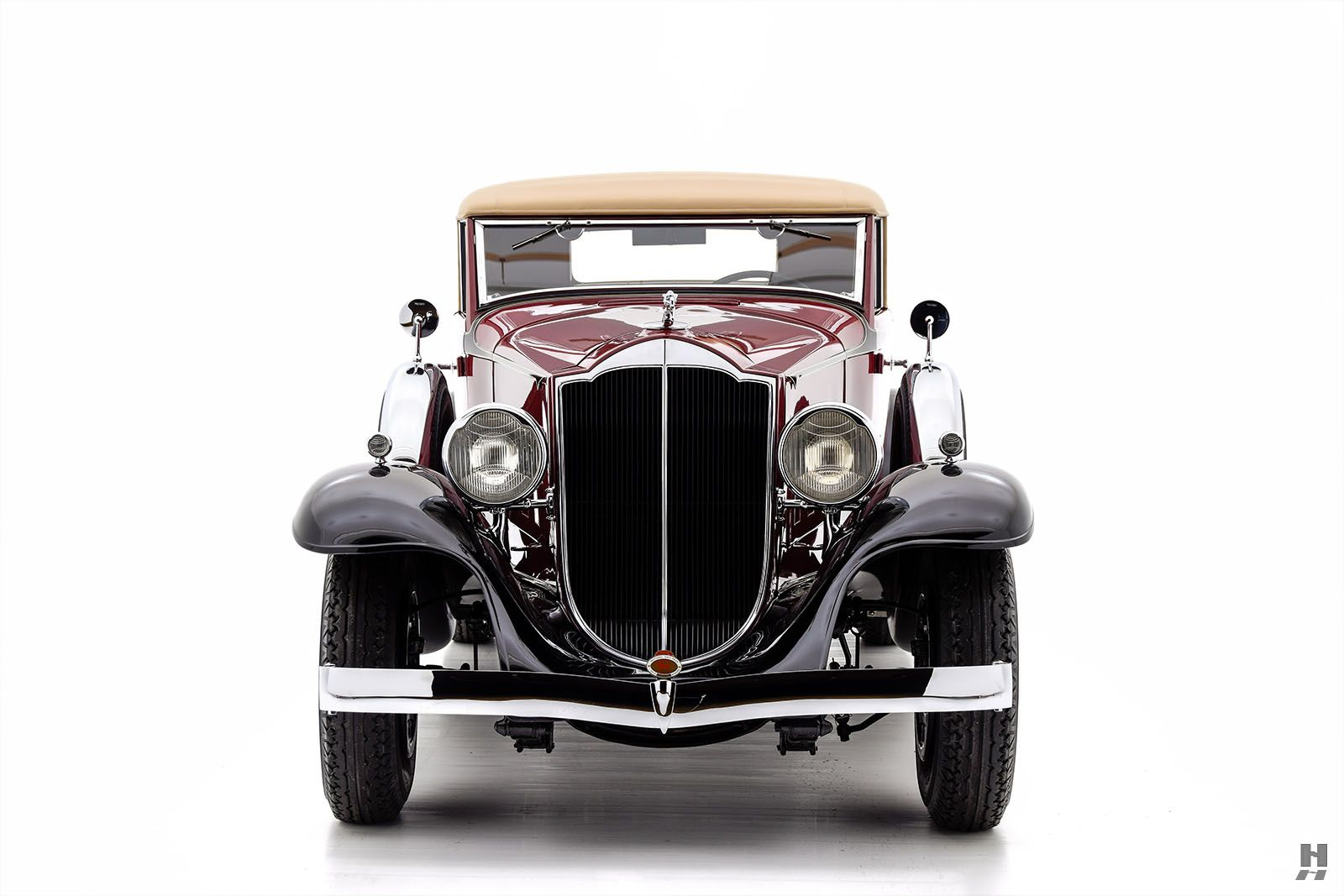 1932 PACKARD 900 COUPE