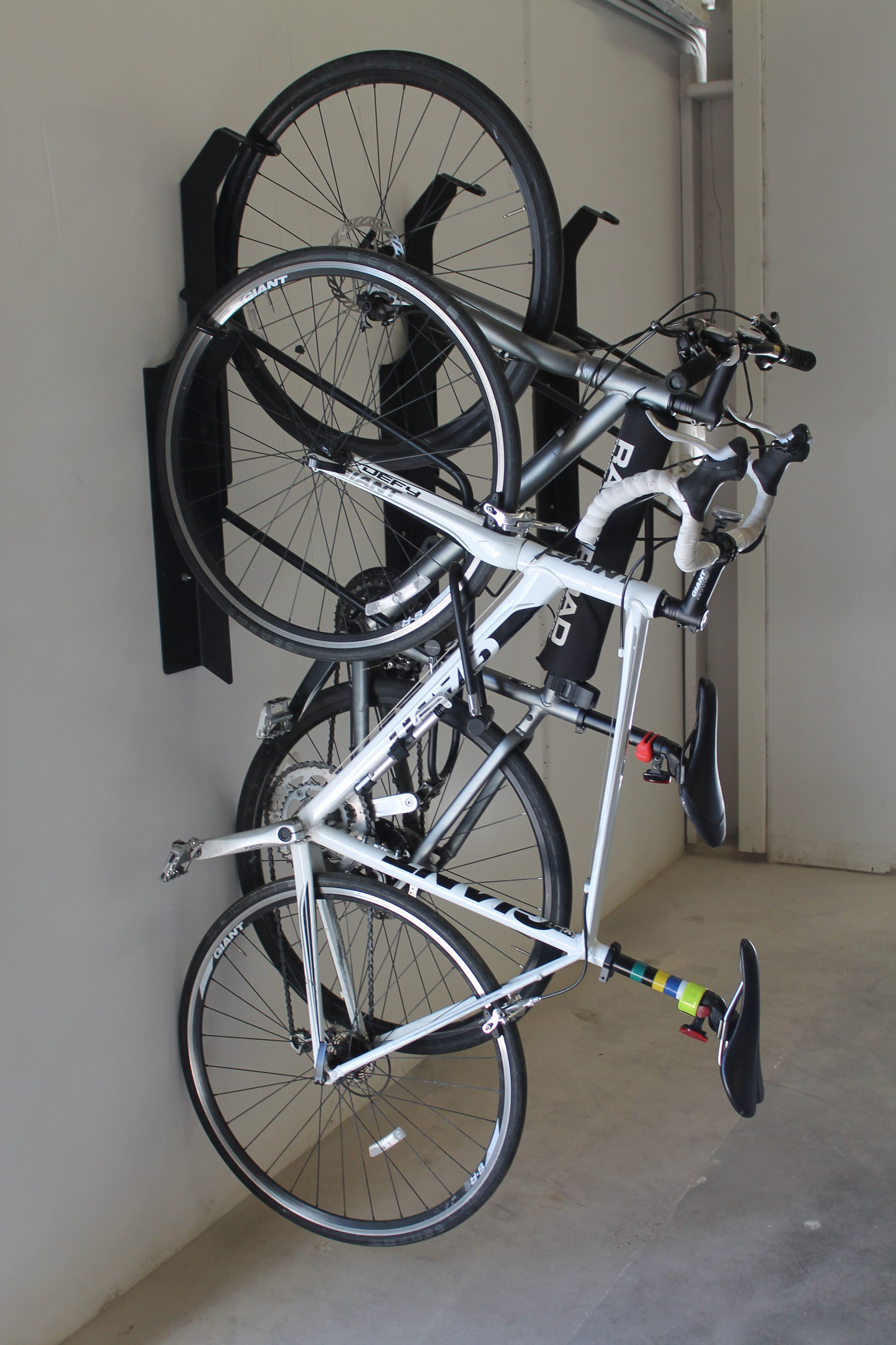 Parking Garage Bike Rack Park A Bike Vertical Offset Bike Rack 06 Commercial Vertical