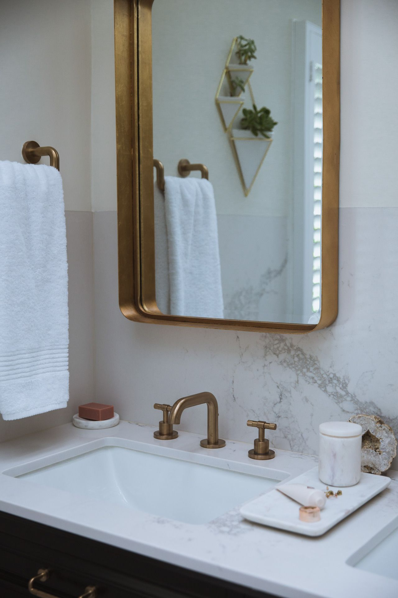 How To Warm Up Your Bathroom: Chic Gold Accents   Gold bathroom ...