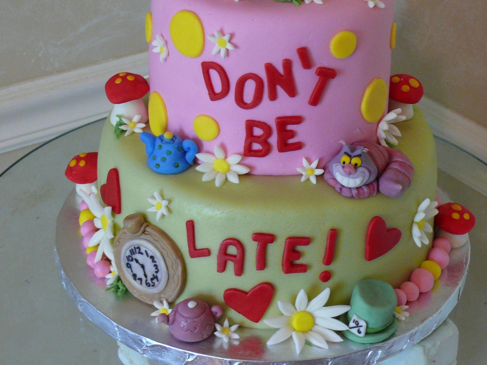 wonderland cake Google Search Wonderland PartyAlice