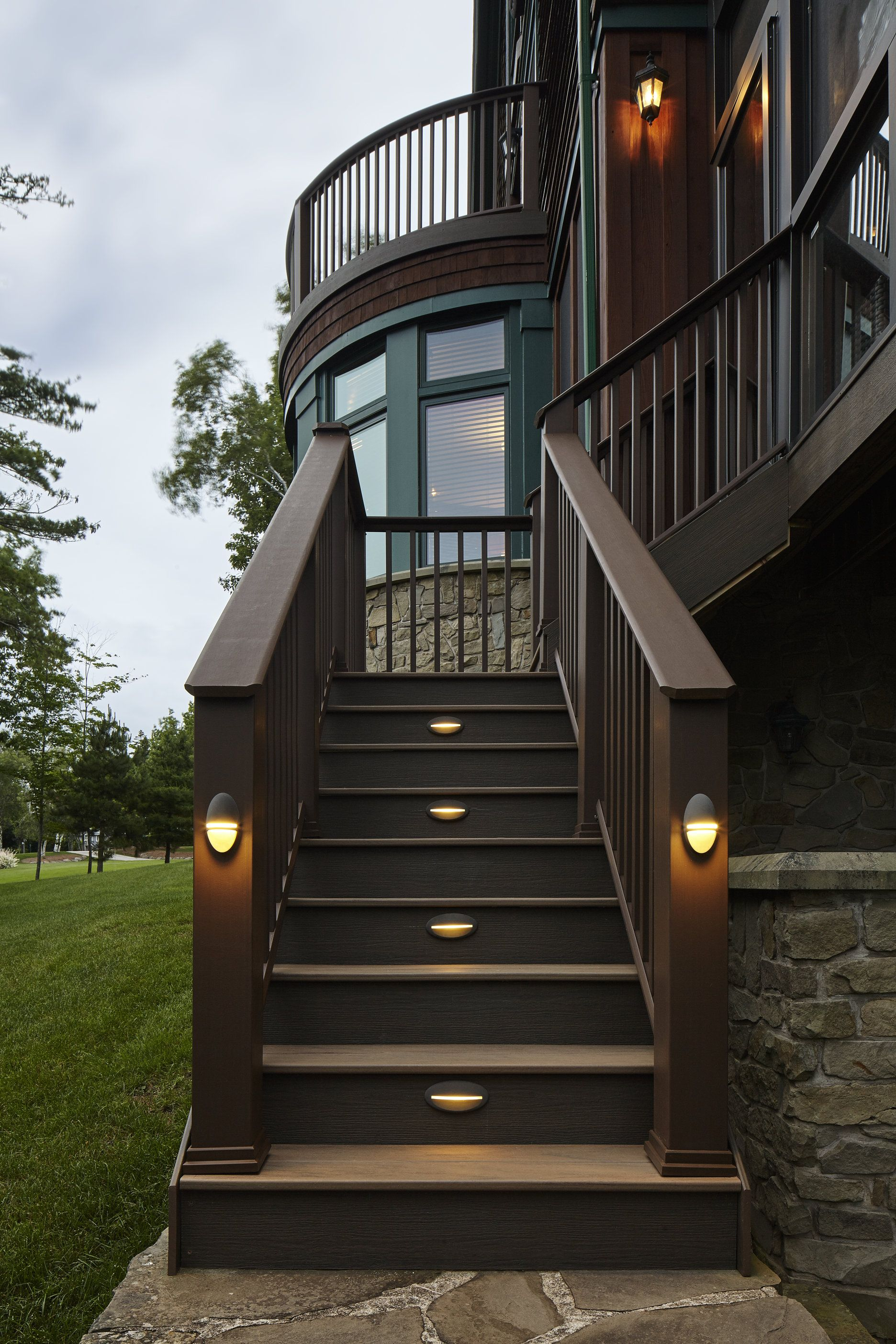 Timbertech Riser Lights Light The Way To The Edge Of The Earth Where This Dream Deck Sits Deck Lighting Patio Deck Outdoor Living