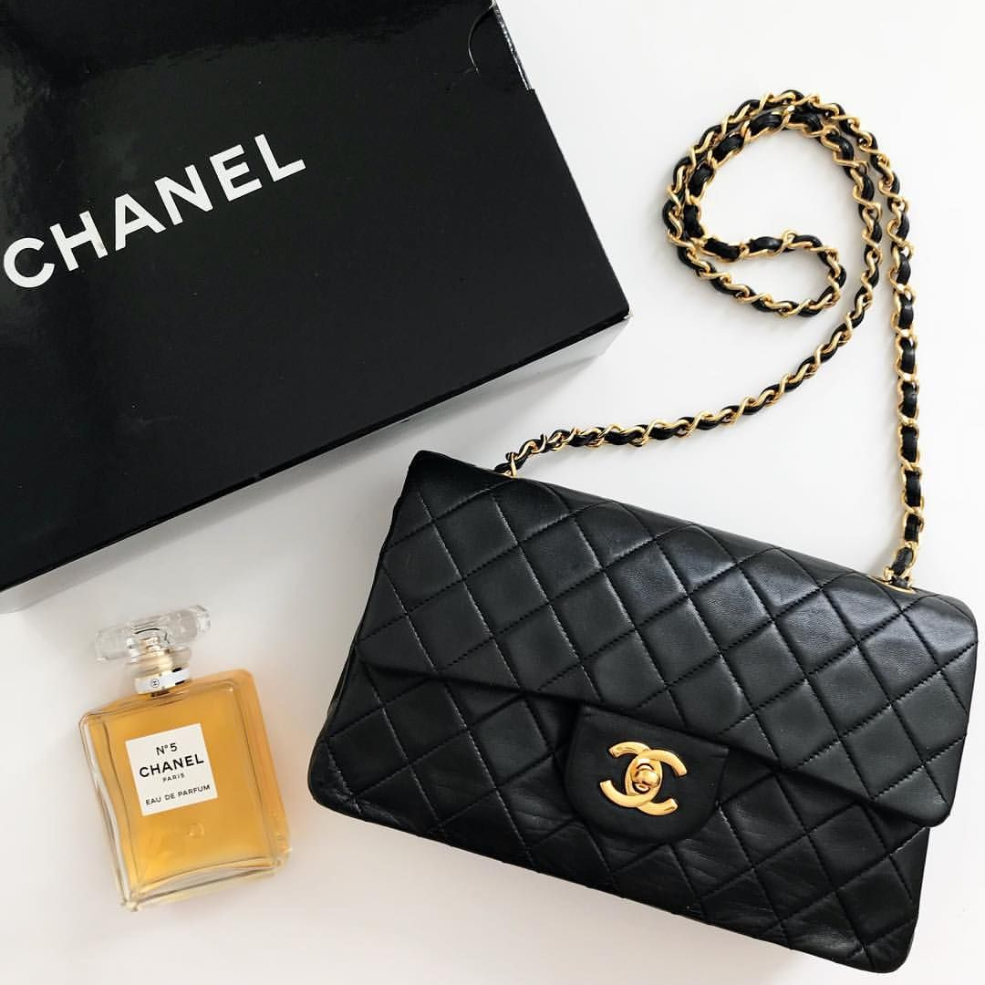 3cfef294 Vintage Chanel small classic double flap series 1 from 1989-1991 ...