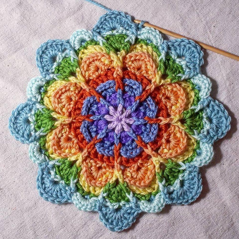 Flower Puddles (Motif and Granny) Crochet pattern by Mad Mad me