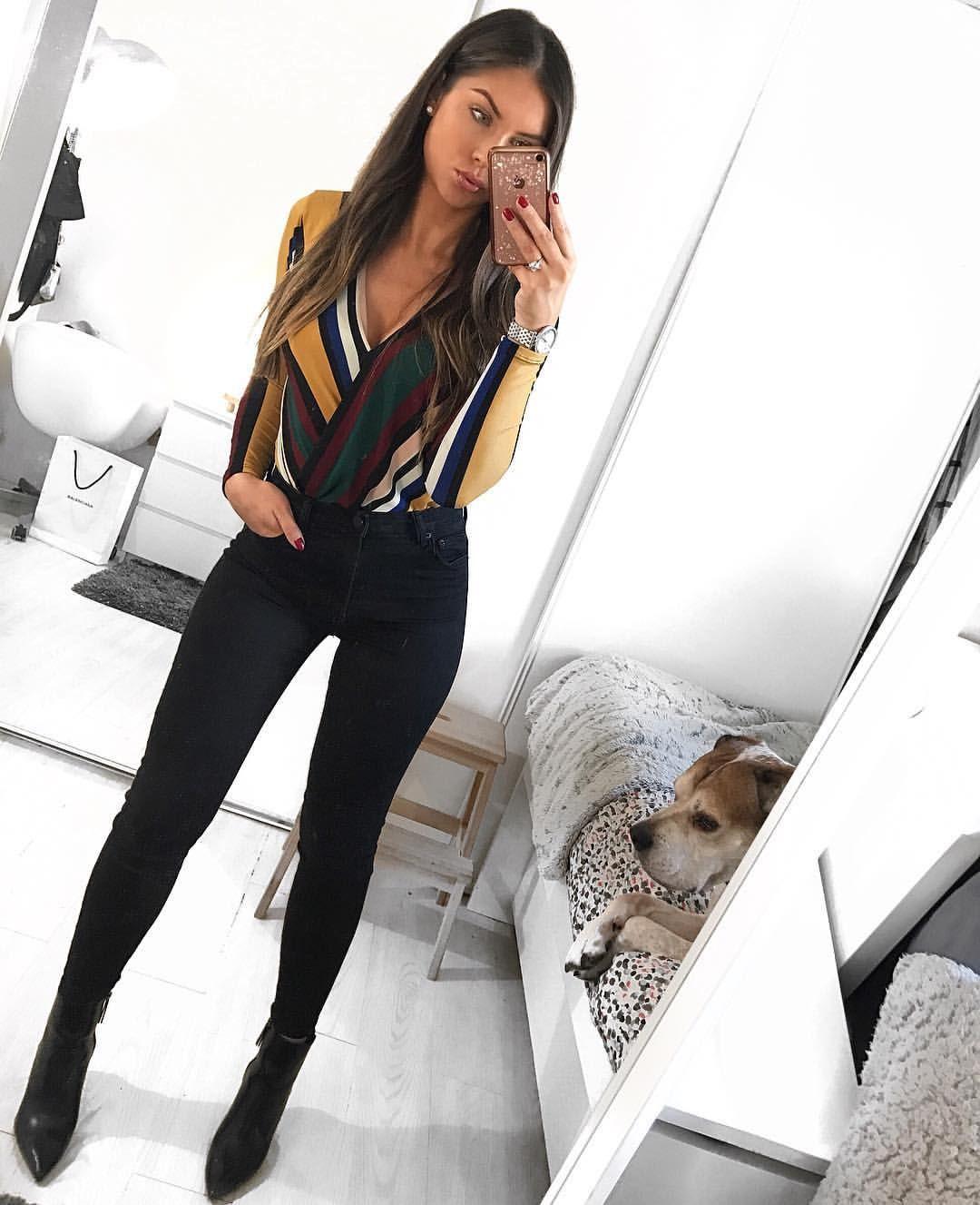 "ee5ec85b6 Salomé on Instagram: ""✓ TOTAL LOOK BERSHKA 🌹 . . Body : REF : 7260/187/305  . Jean : REF : 5006/352/800 . Bottines : REF :…"""
