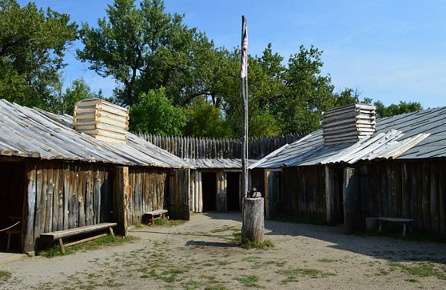 Lewis And Clark S Fort Mandan On Missouri River Nd Lewis And Clark Lewis And Clark Trail Missouri River