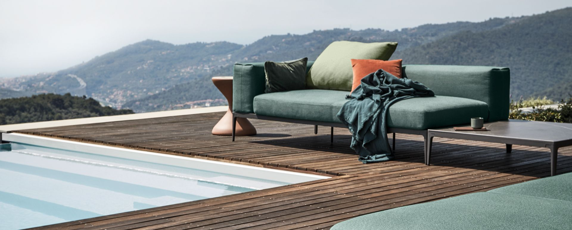 gloster - grid outdoor furniture
