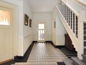 Tegels jaren 30 woning jaren30woningspecilaist trap for Jaren 30 woning kenmerken interieur