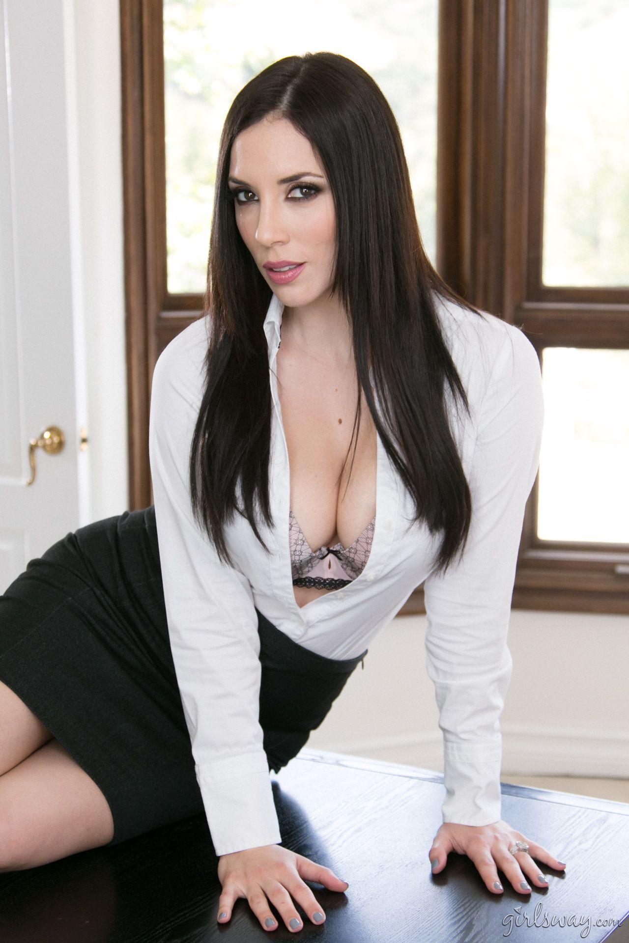 Jelena Jensen Popped Collar Blouse Lady Outfit Clothes Beautiful Secretary