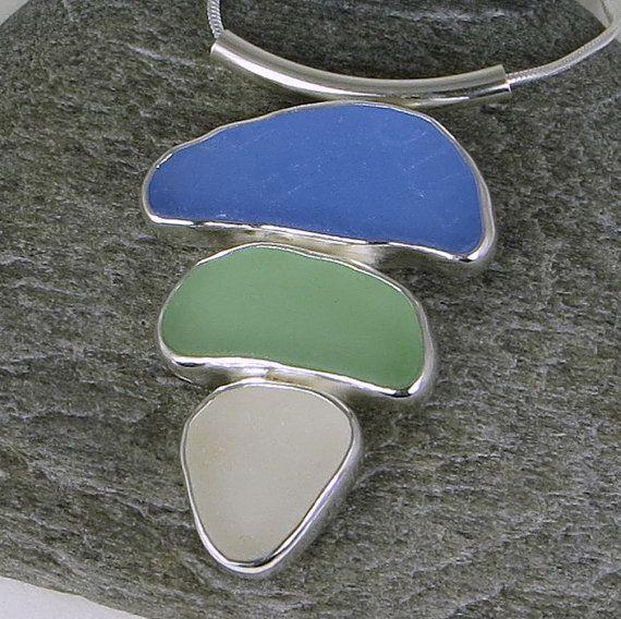 Drei Farbe Sea Glas Lünette Anhänger Halskette von mainelyseaglass