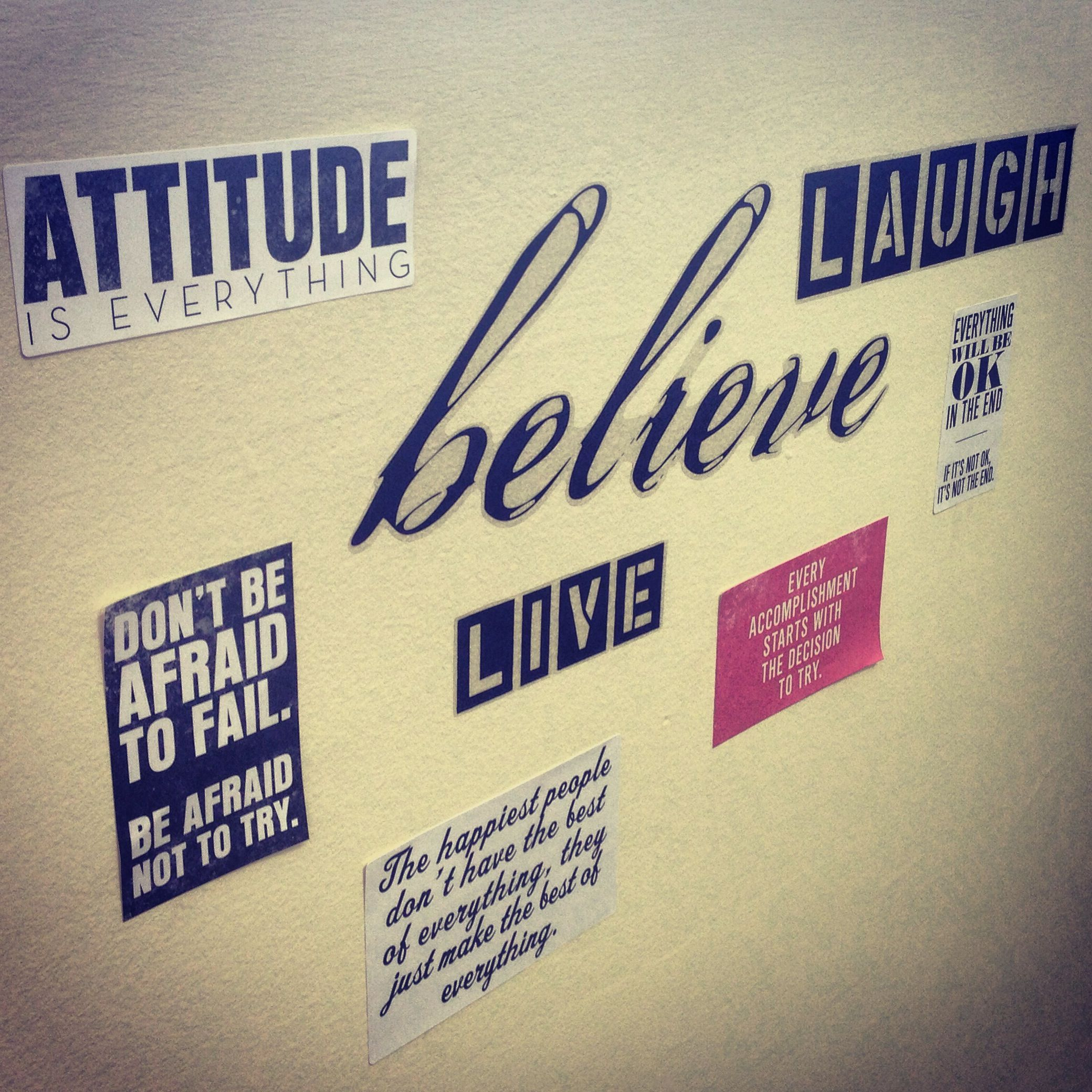 Office wall decor to keep ideas flowing and motivation high ...