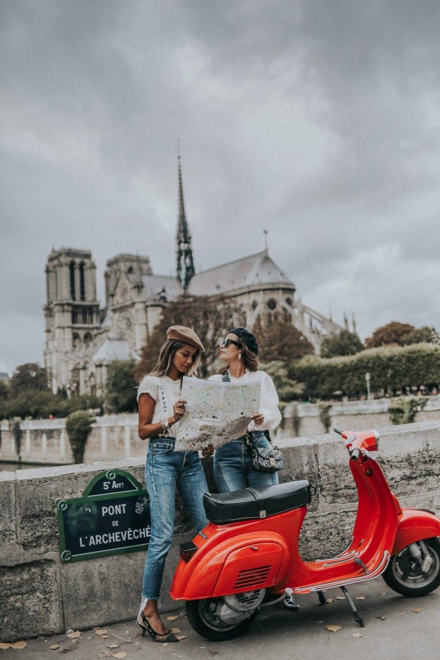 Photo of #Julie #Sara #Paris