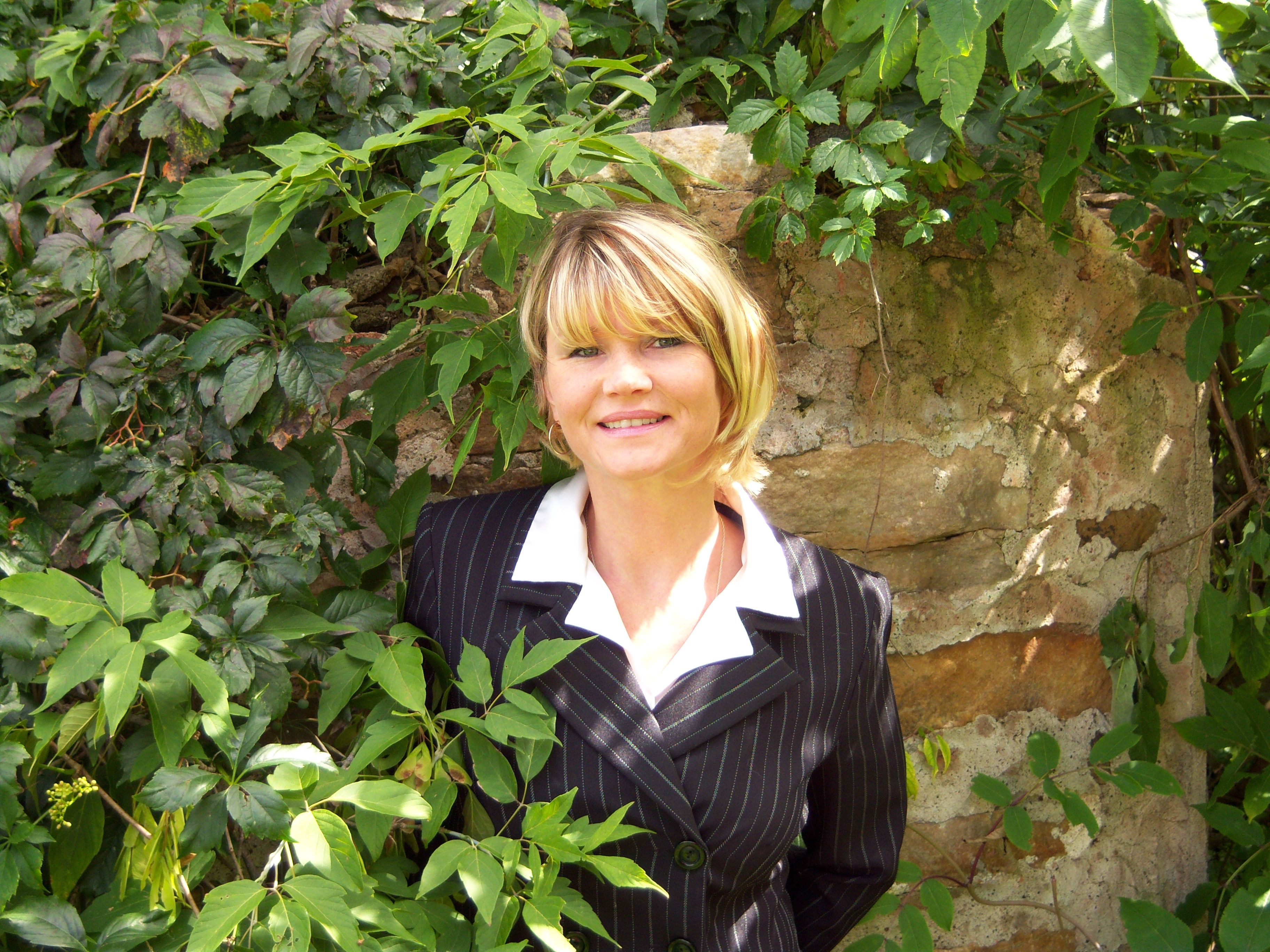 Author Victoria Roder