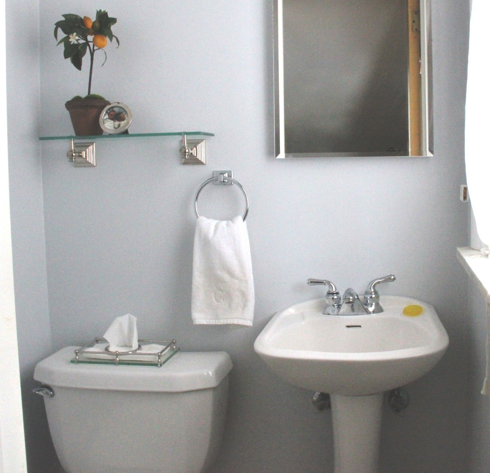 Decorating Tiny Bathrooms | Powder Room Makeover | Decorating ...