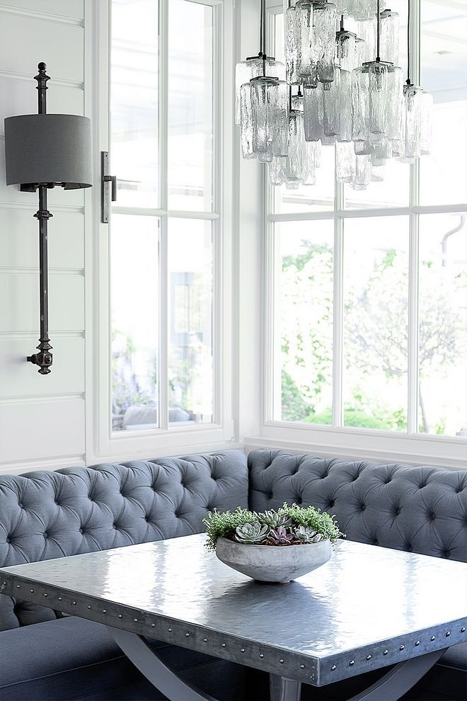 How to's : Breakfast room with tufted banquette and zinc top dining table