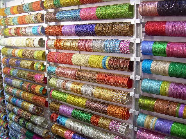 India - Delhi - Bangle shop
