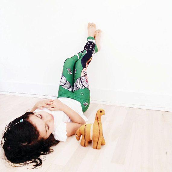 Girl and baby leggings  Leggings  Frida Kahlo  por Caracarmina
