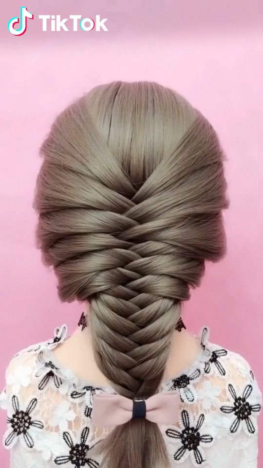 Super Easy To Try A New Hairstyle Download Tiktok Today To Find More Amazing Videos Also You Can Post Videos To Sh Long Hair Styles Hair Hacks Hair Beauty