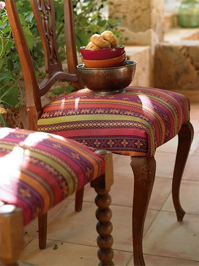 accessories like cushions, tablecloths or sets the vibrant fabrics ...