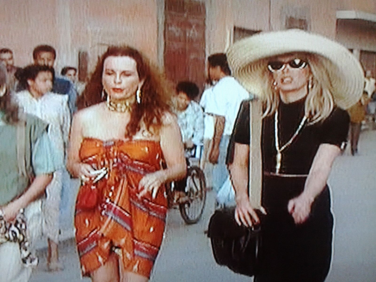 edina monsoon \u0026 patsy stone in Morocco. Love this episode ...