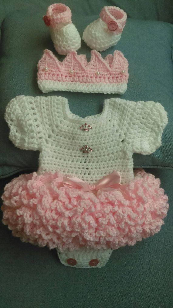 Super ruffled crochet baby dress set | Cambio, Conjuntos y Bebé