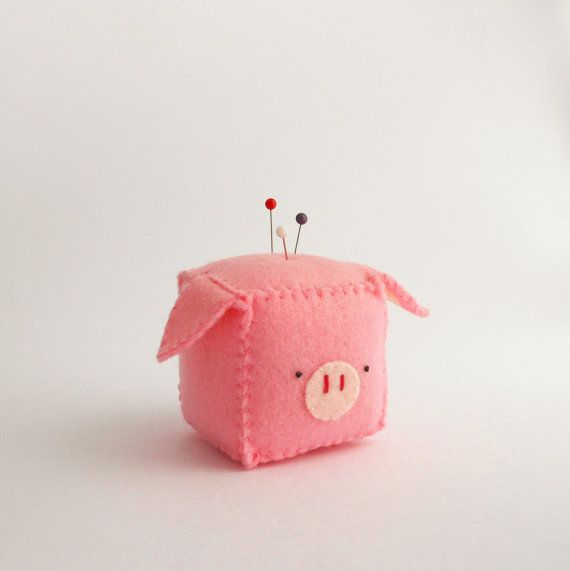 Cube Pig Pincushion stuffed and soft toy by trepuntozerocivette, €10.00 I'm going to make this too. -kat