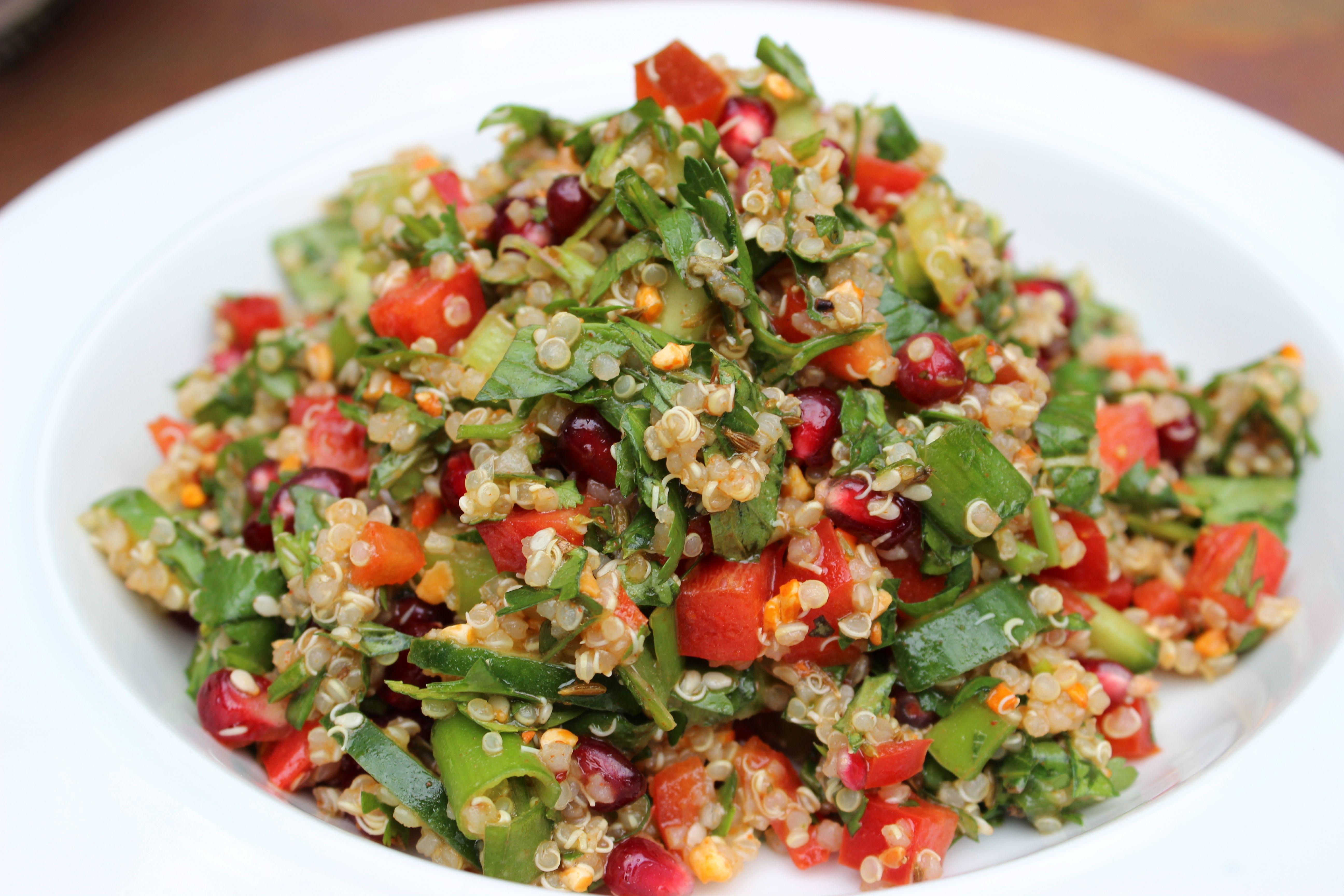 Middle Eastern Pomegranate Quinoa Salad joie-de-vivre-blog.com