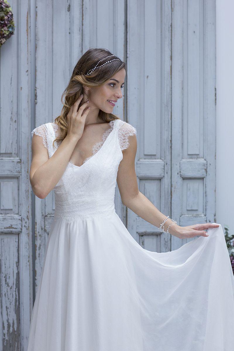 Wedding dressing gowns  Robe de mariée Marie Laporte  u Collection Boheme Chic u Modèle
