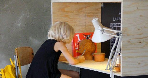 Fabriquer un bureau en bois pour enfant hyper sympa Bureaus and