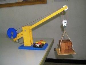 Diy Toy Crane Maquetas De Maquinas Simples Cajas De Juguetes De Madera Maquinas Simples Para Niños