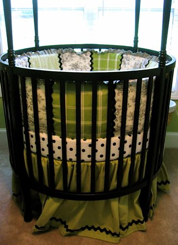 Round cribs are the cutest! Definitely helping my friends, when their time comes, decorate their nurseries. ;)